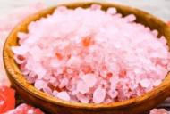 5 remedii naturiste care te scapă de răgușeală