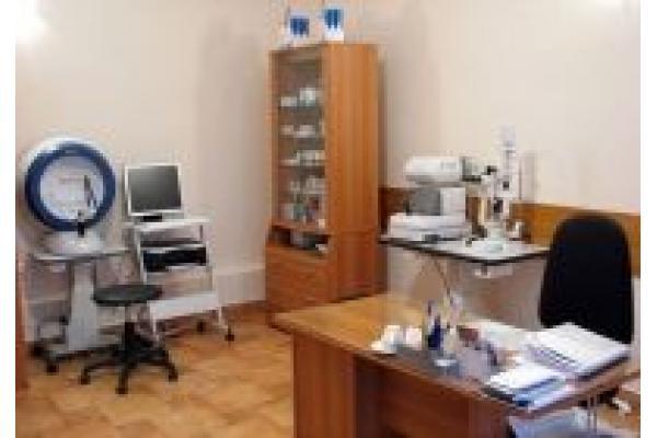 Centrul Medical Dr. Georgescu - 8_cabinet_oftalmo.jpg