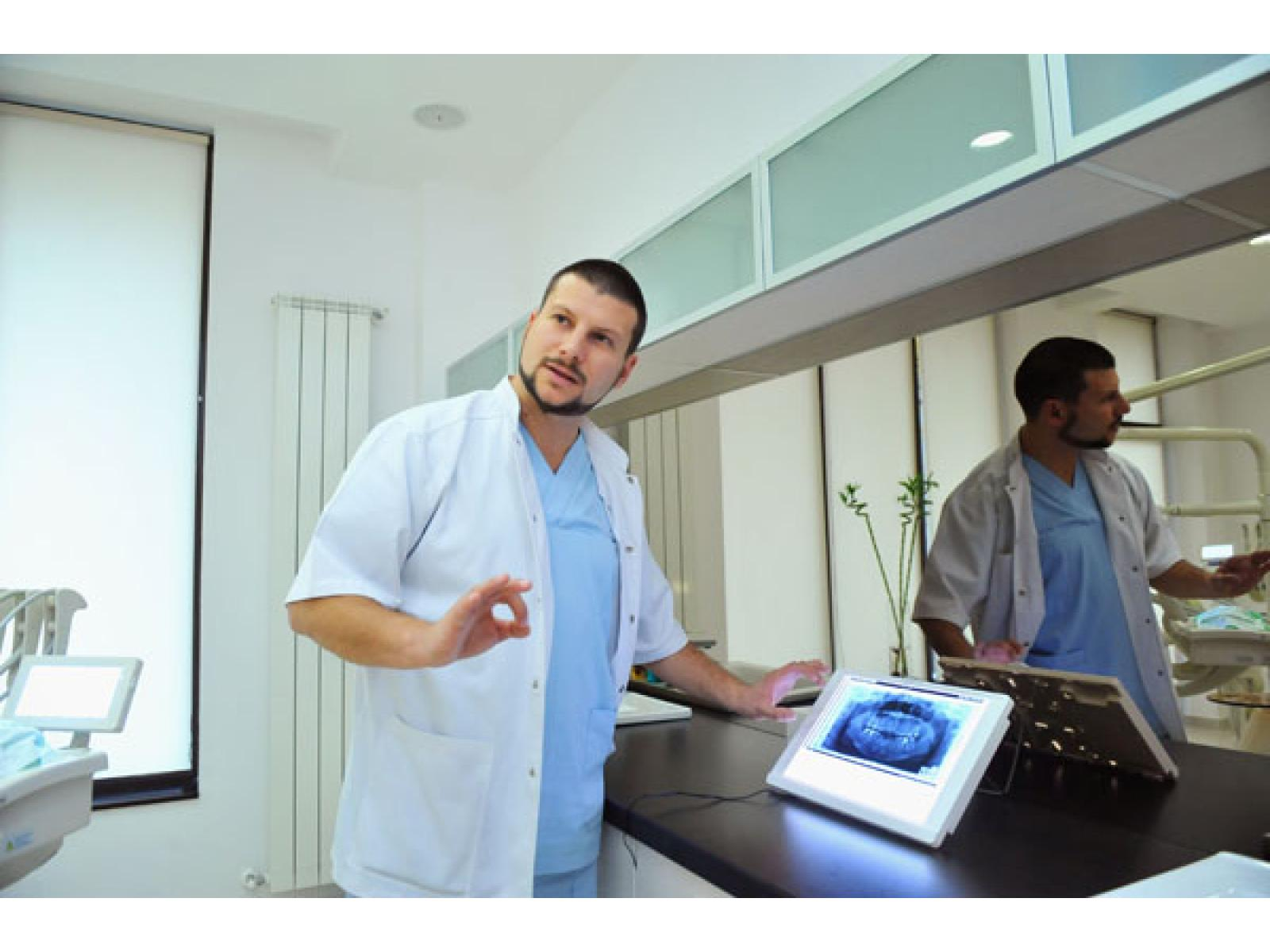 ASCLEPIMED - Clinica Stomatologica de Supraspecialitate - 23.jpg