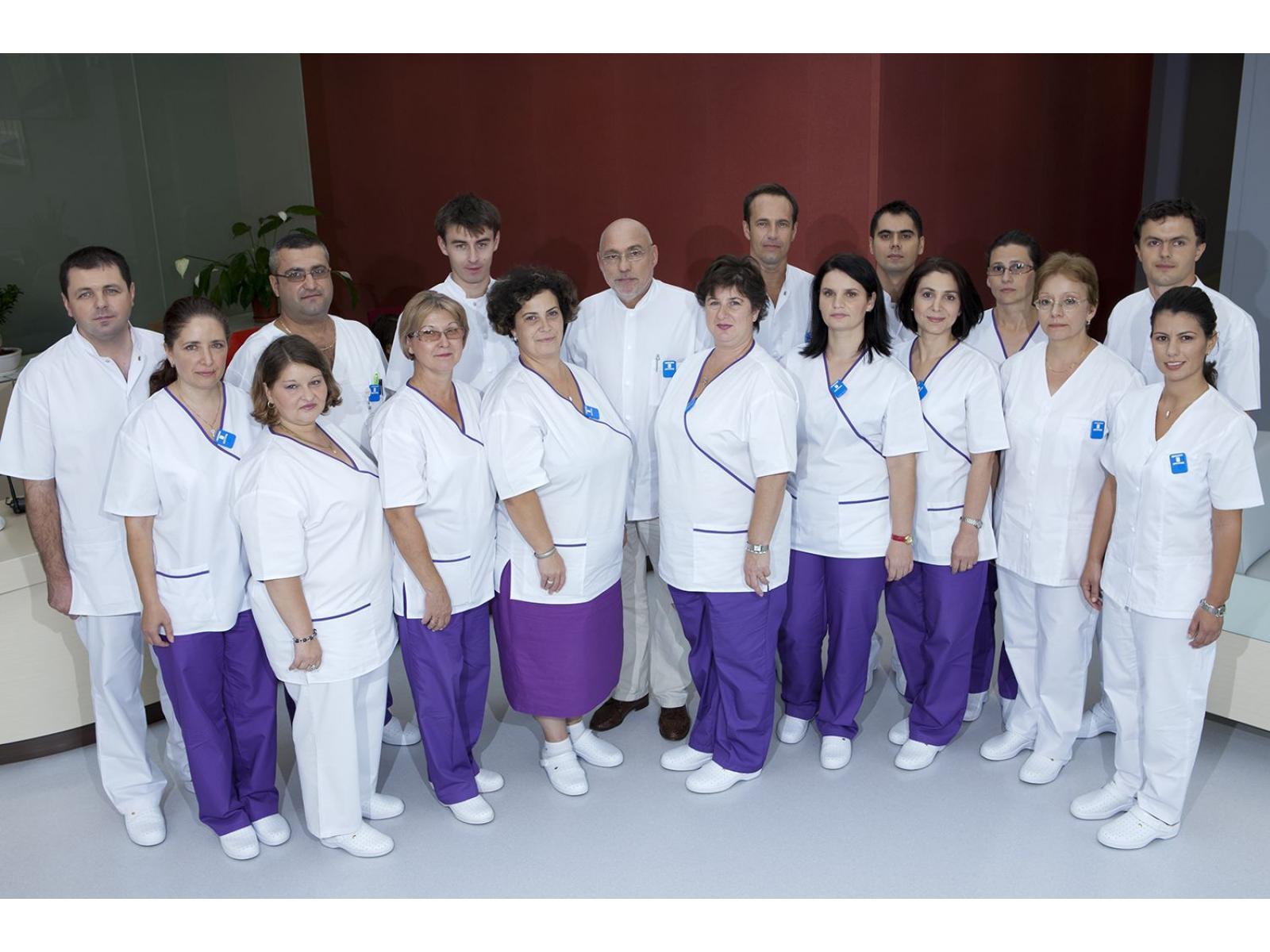 Centrul de Radioterapie Amethyst - Grup_(1).jpg
