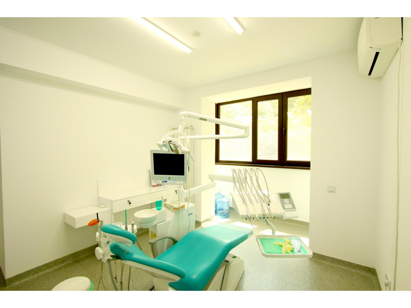 Dental Planet - 6.jpg